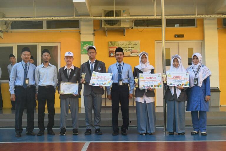 Juara Unjuk Kreasi Al Azhar se-Indonesia